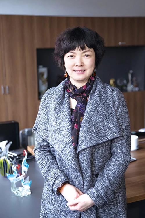 江西杏彩平台官网医疗器械有限公司董事长